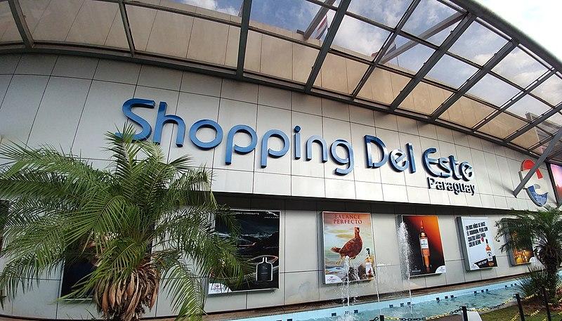 Fachada do Shopping Del Este no Paraguai