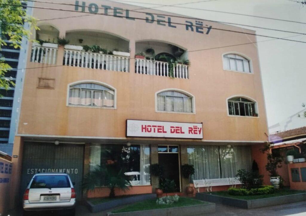 Del Rey Quality Hotel durante primeira reforma e construção