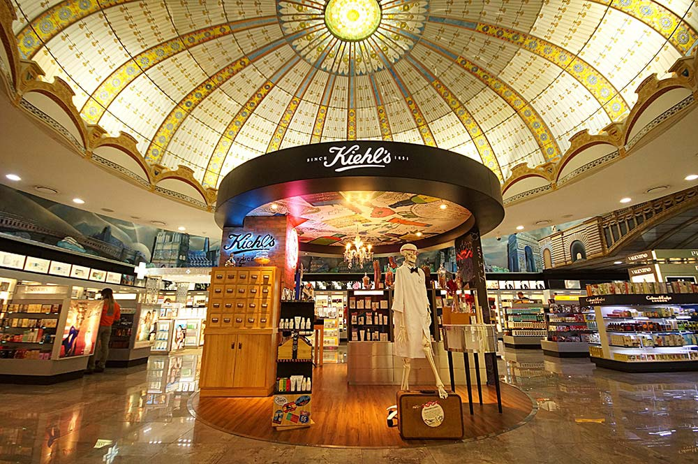 Parte interna do Duty Free Argentina