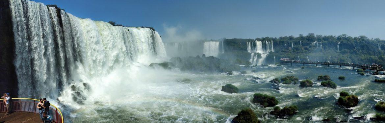 Visão panorâmica das Cataratas do Iguaçu