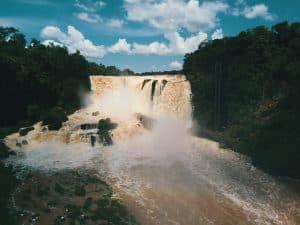 Saltos del Monday no Paraguai
