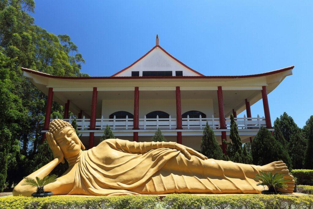 Estátua do Templo Budista em Foz do Iguaçu