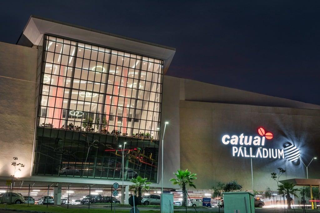 Shopping Catuaí Palladium a noite.
