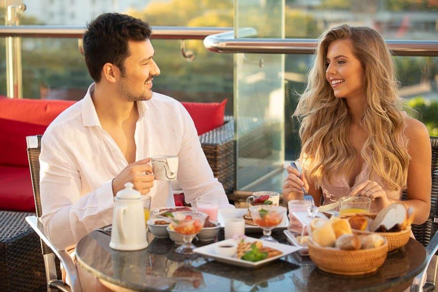 Sunrise Experience - Café da manhã romântico e um dos motivos de se hospedar no Del Rey Quality Hotel