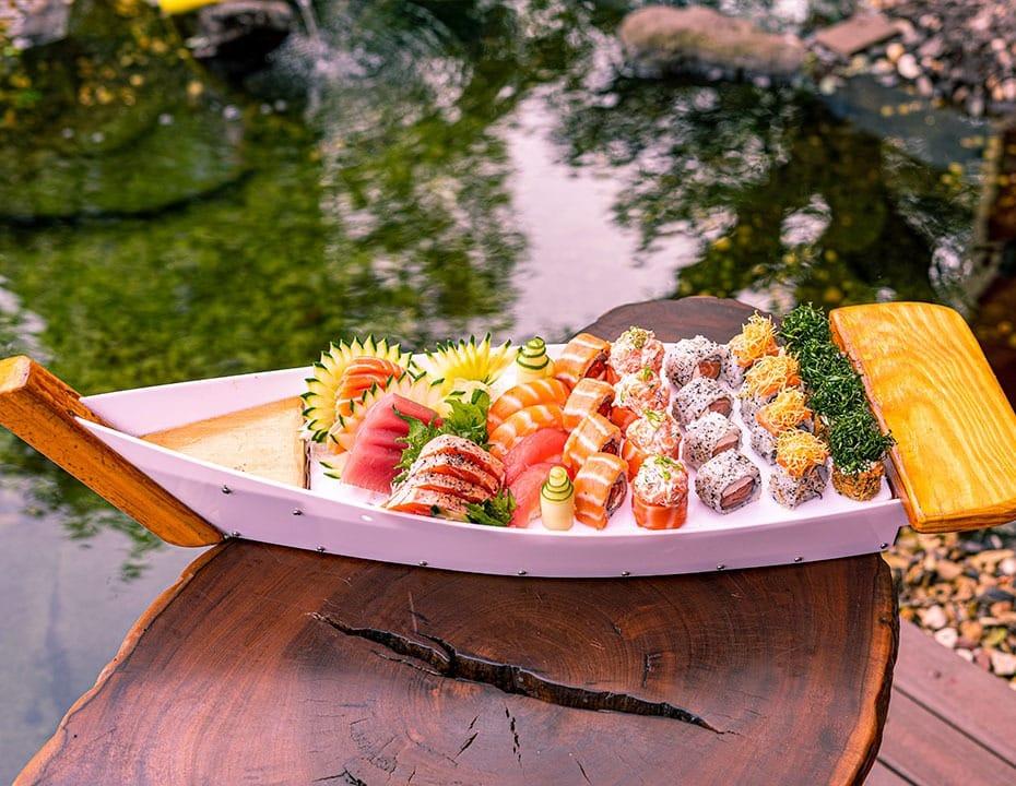 Barca de Sushi e Sashimi do Hokkai em Foz