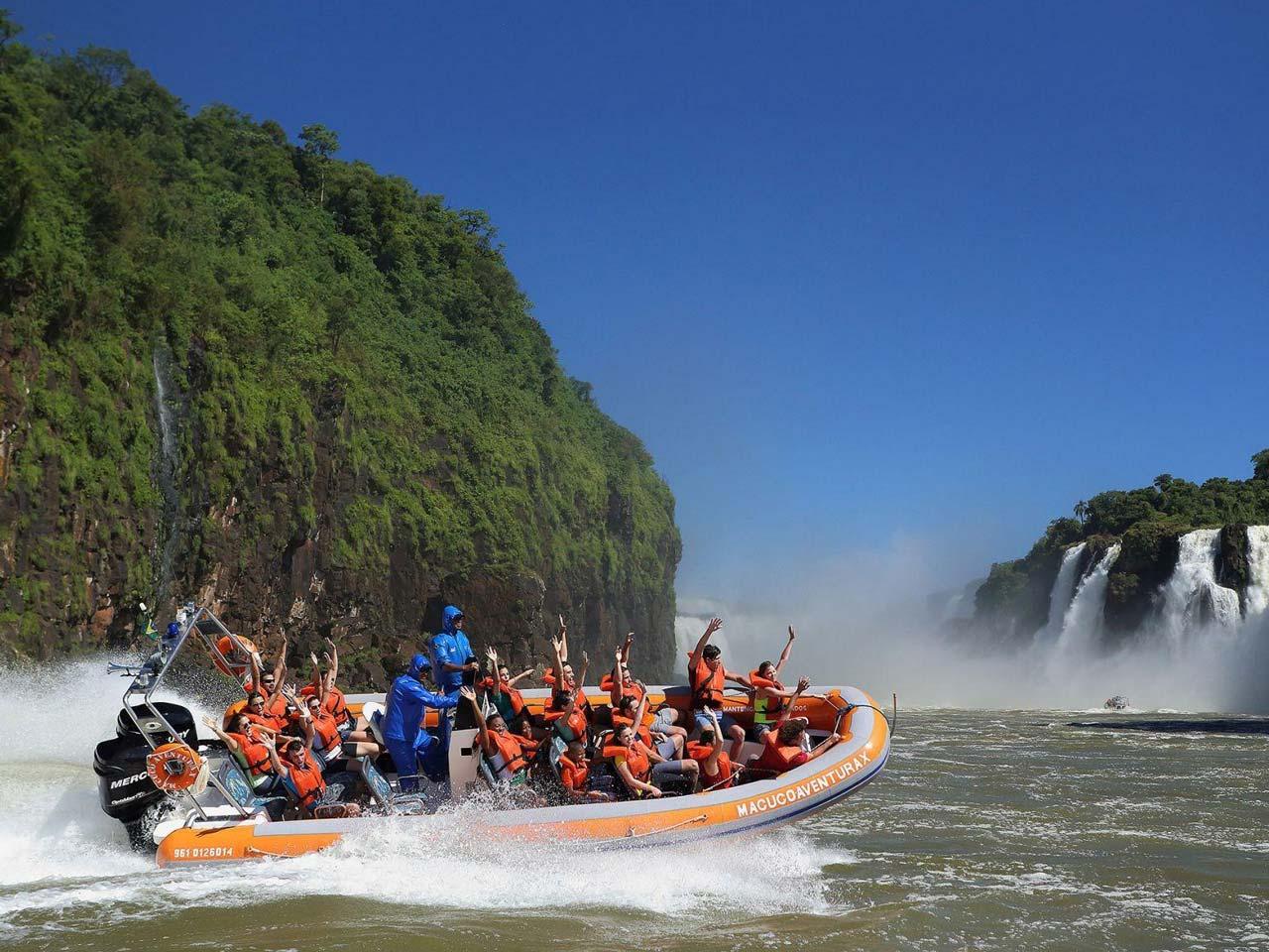Uma aventura pelo Macuco Safari